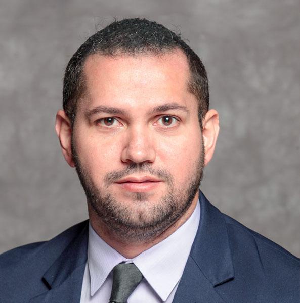 Dr. Ricardo Correa